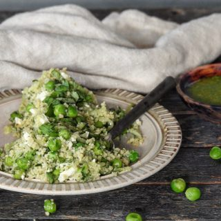 Couscous salat med basilikum vinaigrette