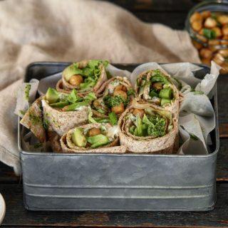 Tortillalefse med kikerter og pesto