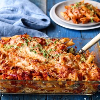 Gartinert pasta og grønnsaksform