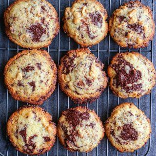 Cookies med peanøtter og sjokolade