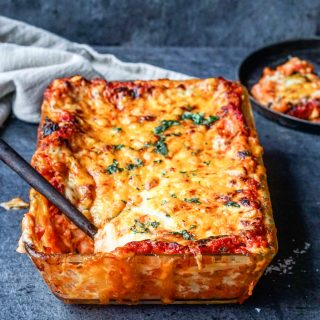 Vegetarlasagne med ostesaus
