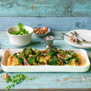 Terte med grønnsaker servert på nydelig serveringsfat fra Rosendahl Grand Cru